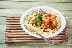 Receita de frango estufado à napolitana. Descubra como cozinhar frango estufado à napolitana de maneira prática e deliciosa com a TeleCulinária!