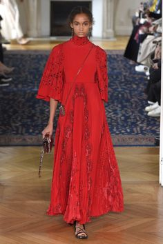 Valentino | Ready-to-Wear Spring 2017 | Look 5