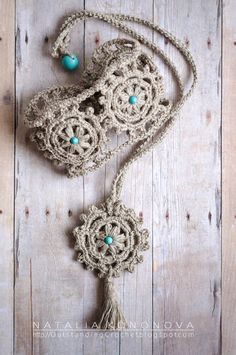 I like to make these linen crochet cuffs and necklaces. They are so comfortable to wear and they are fast projects, the value that we all c...