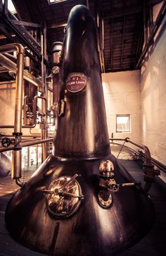 Bruichladdich Distillery was built in 1881 by the Harvey Brothers dynasty. From birth to bottle, Bruichladdich whisky is made on Islay. Whisky Map, Copper Still, Whiskey Distillery, Pot Still, Alcoholic Beverages, Tasting Room, Bourbon, Rum, Scotland