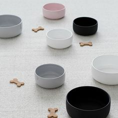 """NEW Ole hyvä ceramic dog bowl's design is clean and Nordic. The harmonious color palette is inspired by nature –  Midnight -matt black Feather – white Mist – greyblue Blossom – soft pink Size Large 21 cm diameter / 8,5 cm high (8,27"""" × 3,35"""") volume 1,6 l   Handmade in Finland"""