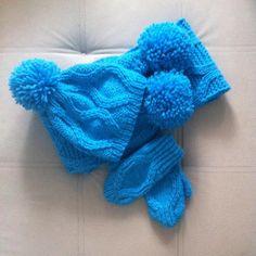 29 отметок «Нравится», 1 комментариев — КАРДИГАН🔥СВИТЕР🔥ШАПКИ (@sogrei_menya_kzn) в Instagram: «Очень теплый мягкий и не продуваемый набор. Связано из полушерсти, на шапке помпон съемный…»