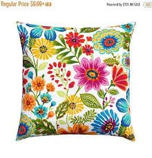 The Pillow Collection Gamila Floral Outdoor Bedding Sham Yellow Blue Standard//20 x 26,