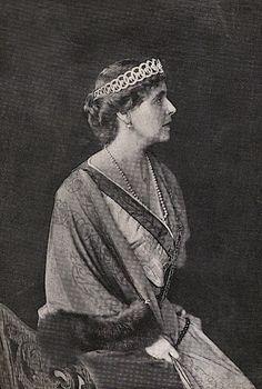 Queen Marie of Romania. Regina Maria a României. Romanian Royal Family, Greek Royal Family, Princess Alexandra, Princess Beatrice, Princess Victoria, Queen Victoria, Maud Of Wales, Royal Jewels, Kaiser