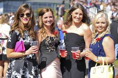 Drinks were in hand and smiles all around as the racing kicked off at 1.30pm in the lead up to the Crabbie's Grand National Chase