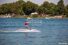 """Laden Sie das lizenzfreie Foto """"Wasserski in Friedberger See"""" von Photocreatief zum günstigen Preis auf Fotolia.com herunter. Stöbern Sie in unserer Bilddatenbank und finden Sie schnell das perfekte Stockfoto für Ihr Marketing-Projekt!"""