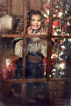 Baby Christmas Photos, Xmas Photos, Christmas Portraits, Christmas Mini Sessions, Christmas Tree Farm, Christmas Mood, Christmas Minis, Family Christmas, Vintage Christmas