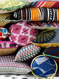 Combination of pattern and colour