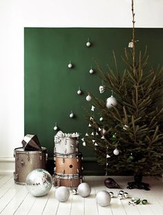 basil green pencil: Interior Styling: Give Up Red for A Green Christmas