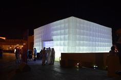 Inflatable Cube Structures for Events Tent Wedding, Wedding Events, Wedding Ideas, Inflatable Bouncers, Exhibition Building, Tribeca Film Festival, Event Marketing, Modular Design, Experiential