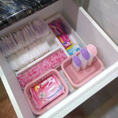 Small Bathroom Organization, Linen Closet Organization, Cute Bedroom Decor, Bedroom Decor For Teen Girls, Glamour Decor, The Home Edit, Vanity Room, Dream Home Design, Beauty Room