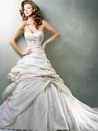 Google Image Result for http://www.gown-store.com/images/bgw0070.jpg love the rouching