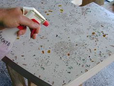 DIY Concrete countertop - I love how the glass shows through