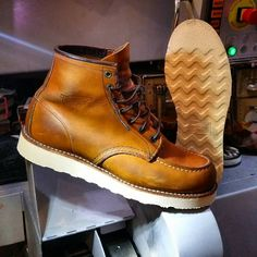 Red Wing 875, Red Wing Moc Toe, Working Boots, Leather Working, Wing Shoes, Red Wing Boots, Biker Style, Wedge Boots, Custom Shoes