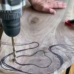 Woodworking Hand Tools, Woodworking Workbench, Woodworking Techniques, Easy Woodworking Projects, Woodworking Videos, Woodworking Shop, Small Wood Projects, Homemade Tools, Charcuterie Board
