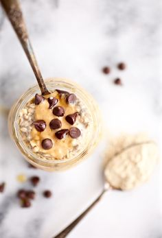 Vegan (Protein-Packed) Cookie Dough Overnight Oats via Nutritionist in the Kitch