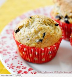 These Strawberry Banana Chocolate Chip Muffins are healthy and delicious and perfect for breakfast or brunch made with fresh strawberries and bananas. Banana Chocolate Chip Muffins, Strawberry Banana, No Bake Cake, Sweet Recipes, Food And Drink, Appetizers, Chips, Baking, Breakfast