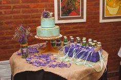 Mesa de torta y cintitas - Fiesta de 15.