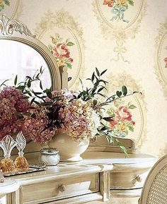 Charming Cottage Chic Cameo Wallpaper