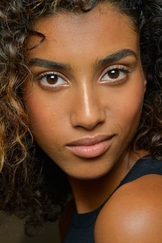 Everything You Need to Know About Growing Out Your Brows
