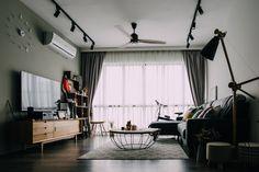 Project by Ecoplex. #interiordesign #livingroom #renovation #cosy #home #sghomes #idsg #housedecor #renopedia #hdb #homestyling #furniture #furnishing #bedroom #minimal #picoftheday #followme #follow #archidaily #beautiful #design #abstract