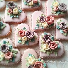 Elegant Cookies, Fancy Cookies, Valentine Cookies, Iced Cookies, Royal Icing Cookies, Cookies Et Biscuits, Cupcake Cookies, Cupcakes, Flower Sugar Cookies