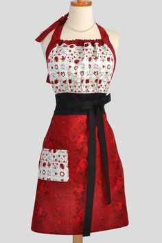 Cute Retro Apron... Reminds me of I Love Lucy. Must have this one.