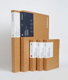 Diseño packaging con etiquetas adhesiva y logotipo: sencillo y elegante