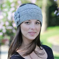 Free knitting pattern. Pattern category: Headbands. Sport weight yarn. 150-300 yards. Features: Cable. Easy difficulty level.