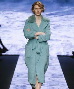 Пальто с меховым воротником: где купить и как носить | Мода | Выбор VOGUE | VOGUE