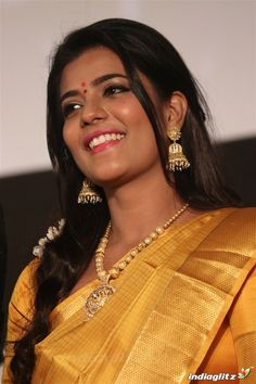 Bollywood Actress Hot Photos, Tamil Actress Photos, Beautiful Heroine, Girl Number For Friendship, The Perfect Girl, India Beauty, Indian Bridal, Indian Actresses, Beauty Women