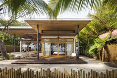 Gallery of Villa Akoya / Studio Saxe - 13 Modern Tropical House, Tropical Beach Houses, Tropical House Design, Modern House Design, Villas, Small Beach Houses, Bali House, Zen House, Small Villa