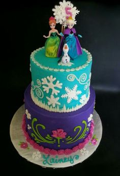 Anna and Elsa Frozen birthday cake Anna Frozen Cake, Anna Cake, Disney Frozen Cake, Disney Frozen Birthday, Frozen Party Cake, Ana Frozen, Elsa Birthday Cake, Frozen Themed Birthday Party, First Birthday Cakes