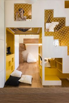 Amazingly Modular Small Family Apartment With Lots Of Playful Spaces room design Small Room Design, Family Room Design, Kids Room Design, Home Design, Design Design, Family Apartment, Apartment Interior, Apartment Design, Apartment Ideas