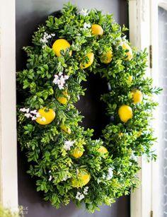 DiY Summer Lemon Wreath - The Navage Patch