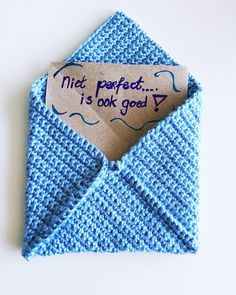 Envelop haken om een handgeschreven spreuk te geven... Want kleine cadeautjes zijn het leukste wat er is! Makkelijk patroon!
