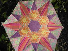 hexagons  @http://ateliervanslagmaat.blogspot.com/search/label/hexagons#