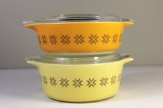 Town and Country Vintage 1960s Pyrex Glass Covered Casserole Dishes w/ Lids
