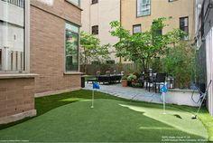 Backyard Putting Green in Chelsea, NYC