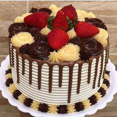 Chocolate Covered Treats, Chocolate Drip Cake, Lane Cake, Drop Cake, Birthday Cake Decorating, Cake Icing, Bakery Recipes, Fancy Cakes, Sweet Cakes