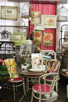 Monticello Antique Marketplace: We're Open on Easter!