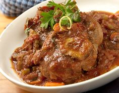 Atkins welcomes you to try our delicious Osso Buco recipe for a low carb lifestyle. Get started by browsing our full list of ingredients here. Atkins Recipes, Low Carb Recipes, Diet Recipes, Cooking Recipes, Slow Cooking, Cooking Tips, Healthy Recipes, Osso Bucco Porc, Crockpot Chicken Cacciatore