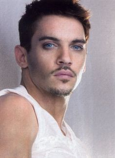 Jonathan Rhys Meyers this is really OMG!!