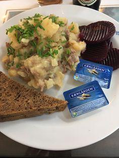Det er en fast tradition at vi spiser skipperlabskovs hos Odense Marineforening ifm havnekulturfestivalen🥘😋