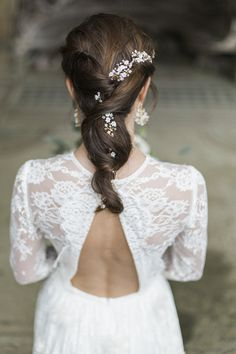Hermione Harbutt Violette Garland | Amy Fanton Photography | #bridal #hairpiece #wedding #accessories