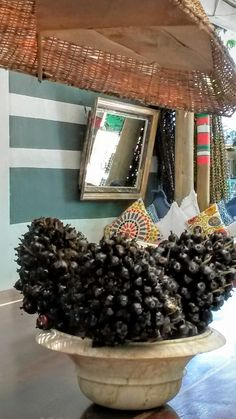 Paisagismo para restaurante. Optei por sementes e cachos  de palmeiras e coqueiros.
