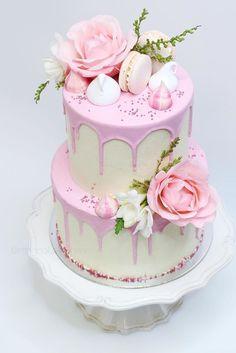 Wedding Cakes Yummy And Trendy Drip Wedding Cakes ❤ See more: http://www.weddingforward.com/drip-wedding-cakes/ #weddings