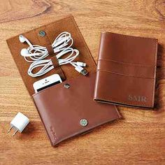 Sewing Gifts For Men Leather Tech Organizer - Give high-tech travelers a stylish way to protect their smart phone or cut the clutter of cords and accessories that comes with it. Bday Gifts For Him, Surprise Gifts For Him, Diy Gifts For Mom, Gifts For Teens, Birthday Presents, Tech Gifts For Men, Thoughtful Gifts For Him, Smartphone, Relationship Gifts