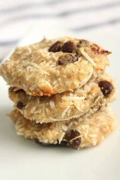 Delicious almond pulp cookies. Grain-free, refined-sugar free, and sugar-free variations. 5 ingredient baking! A great way to use nut milk pulp.