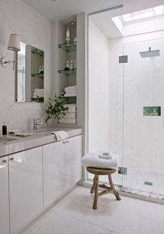 Bright & White Principal Bathroom